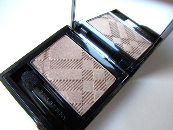 Burberry Sheer Eyeshadow Pale Barley 1