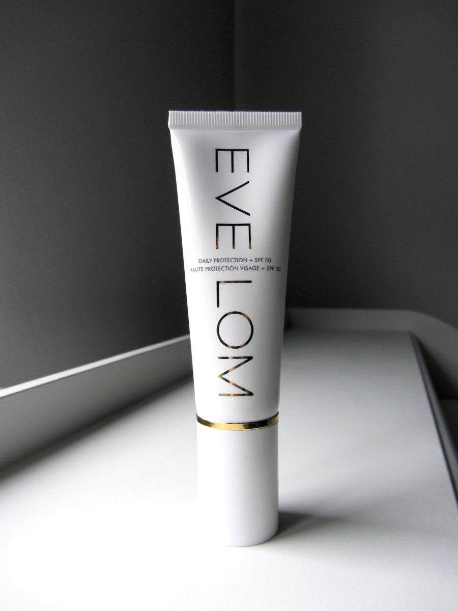 Eve Lom Daily Defence + SPF 50 (review and swatches)