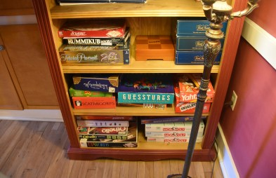 Games to borrow and play. Great idea.