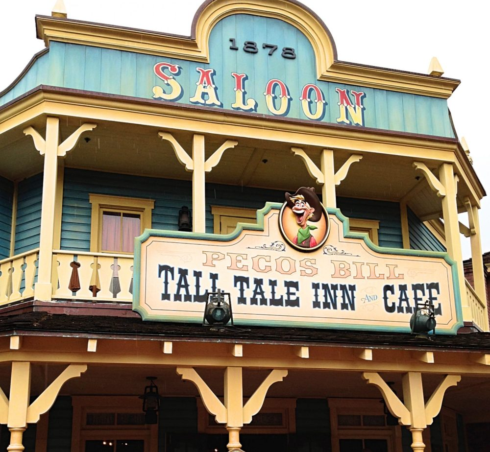 Dining Review Pecos Bill Tall Tale Inn Cafe The Budget Mouse - Magic kingdom table service restaurants