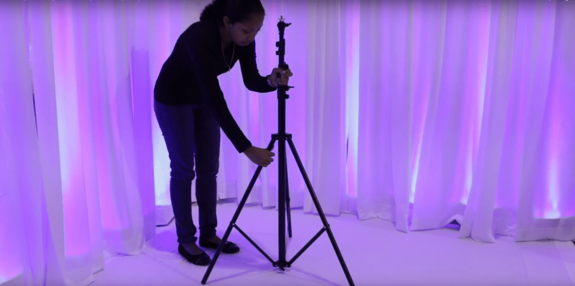 how to set up a backdrop stand