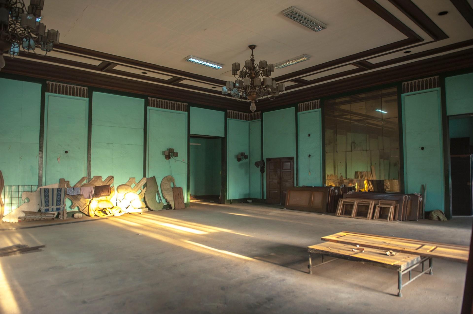 Met Ball Room 7