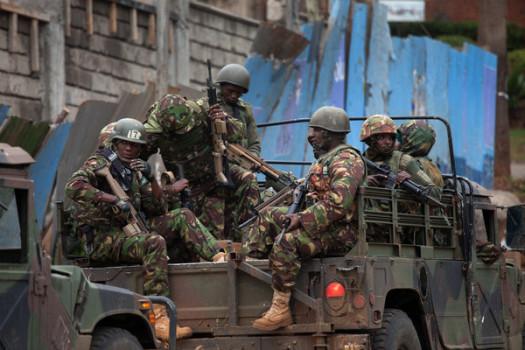 Kenyan Defense Forces arrive to fight al-Shabab Islamist militants during Nairobi Mall standoff. (Google Images)