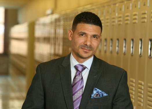 Dr. Steve Perry discusses his new venture with Bishop T.D. Jakes. (Photo Credit: Google Images)