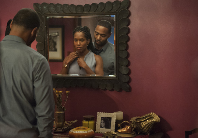 Regina King and Kevin Carroll star as Erika and John Murphy. (Photo Credit: Van Redin/HBO)