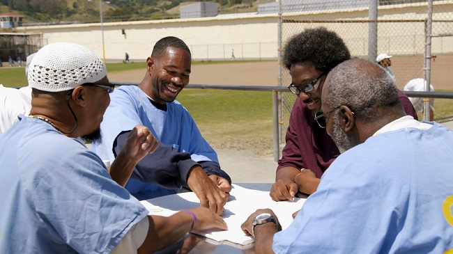 Bell mingles with inmates at San Quentin State Prison on episode two of 'United Shades of America' (Photo Credit: CNN).