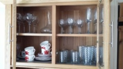 items to put in a holiday home's kitchen