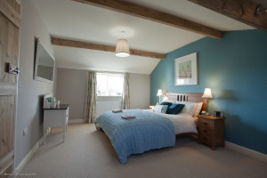 how to style a holiday home