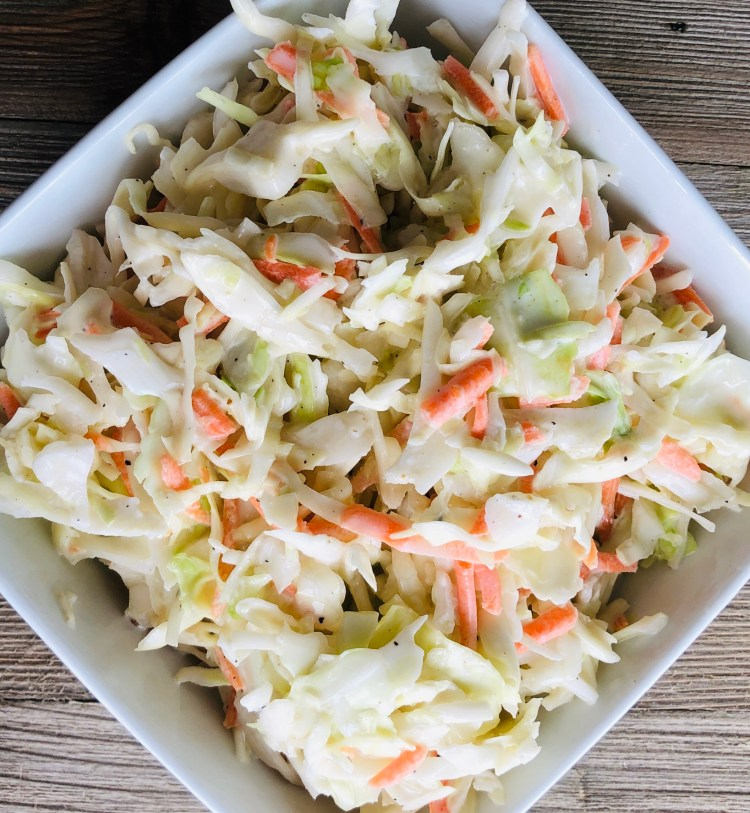 bowl of fresh easy homemade coleslaw