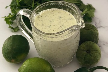 Copycat Tomatillo Ranch Dressing