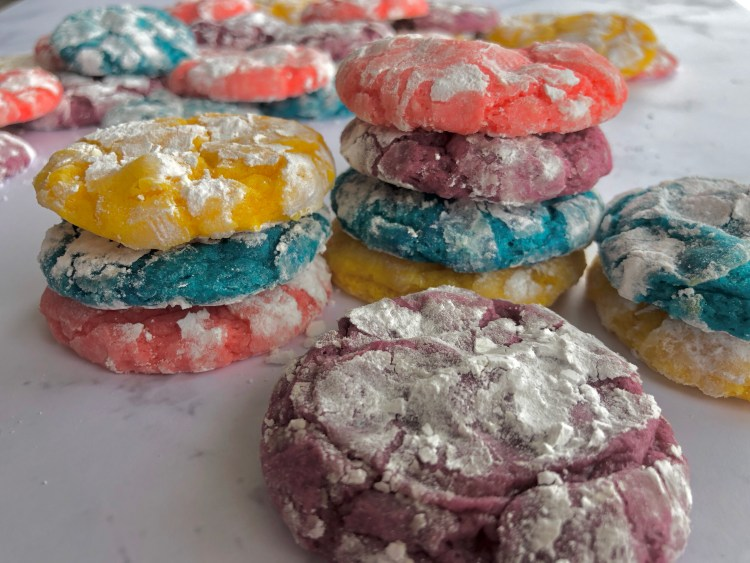 Soft and sweet Crinkle Cookies for Easter