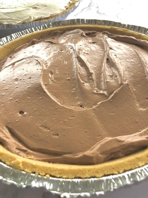 easy chocolate cream pies in graham cracker crusts