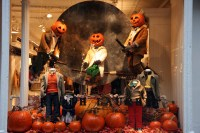Pumpkin heads & broomsticks Ralph Lauren Halloween Window ...