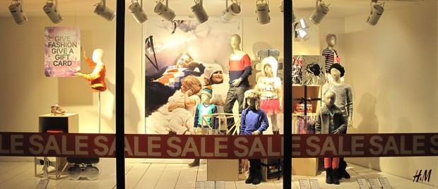 HampM Kids Holiday SALE Window Display Best Window Displays