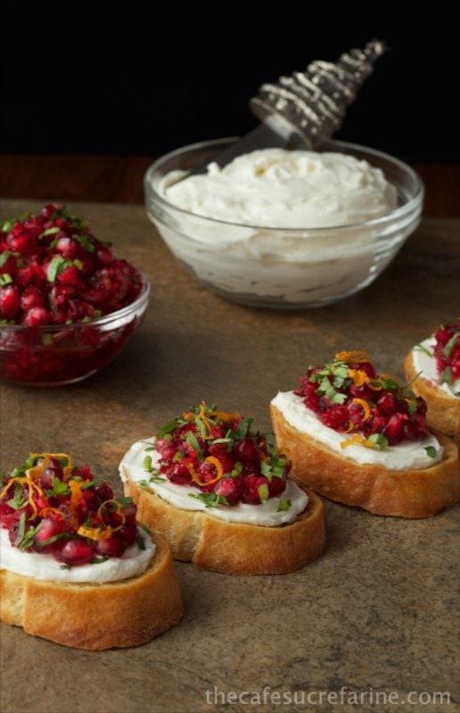 Cranberry & Pomegranate Bruchetta from Cafe Sucre Farine | What to bring to friendsgiving