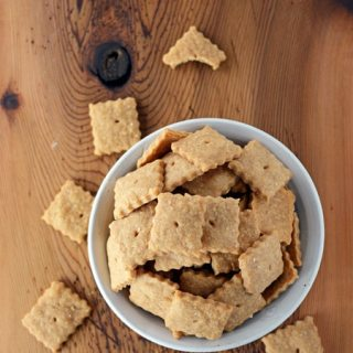 Homemade Cheddar Cheese Crackers