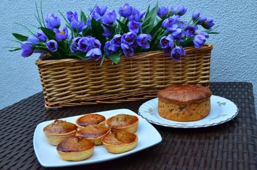 Pasteles de castañas y tarta de castaña y natas