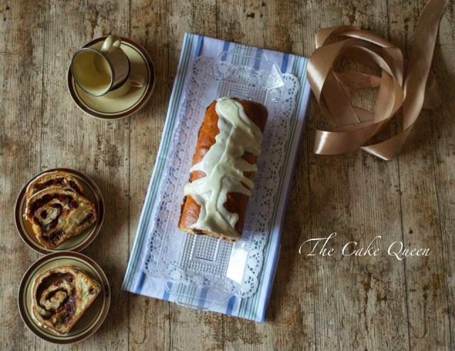 Babka de canela naranja y frutos secos, vista cenital de este delicioso pan de pascua