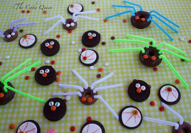 Ideas para Halloween con mini lacasitos: galletas terroríficas y arañas peludas