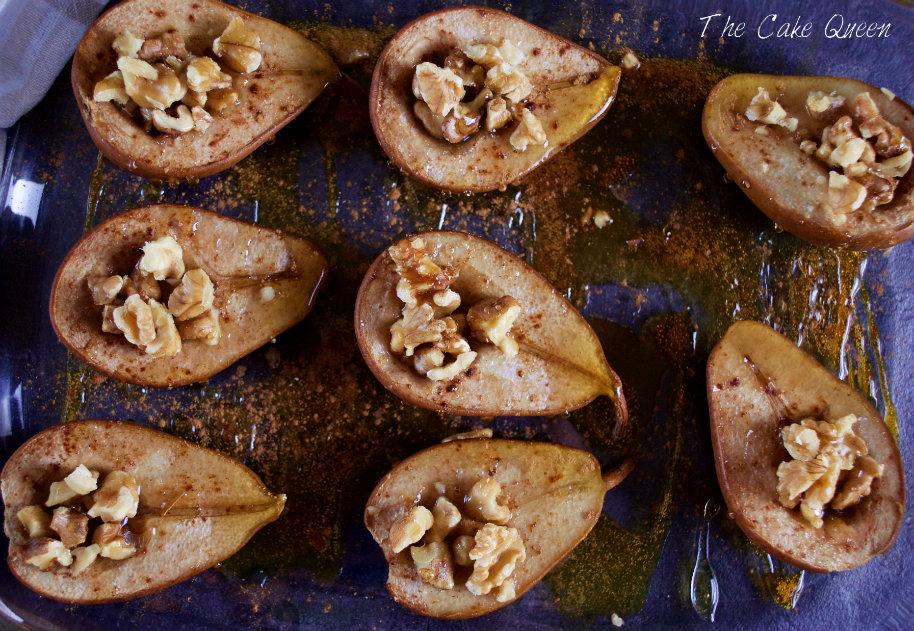 Peras al horno con miel canela y nueces