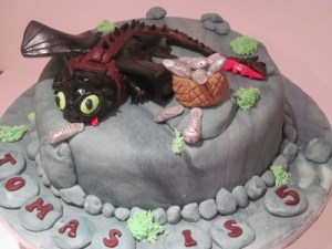 How to tame your dragon cake