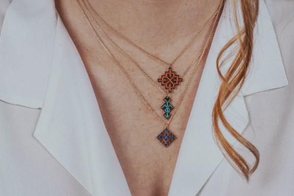The Camelia bijoux - Collier Badi, Socco et Souika portés