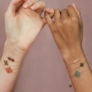 Mini bracelets brodés
