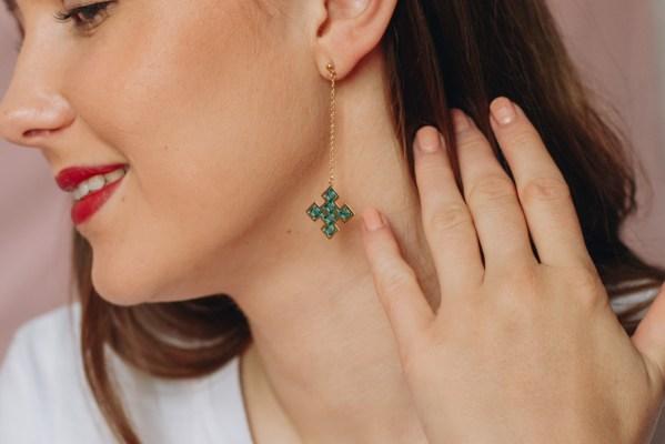 The Camelia bijoux - Boucles d'oreilles pendantes Skala bleu canard