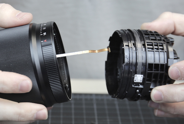 Sony 35mm FE f/1.4 ZA Lens Teardown