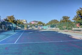 Seawatch tennis courts