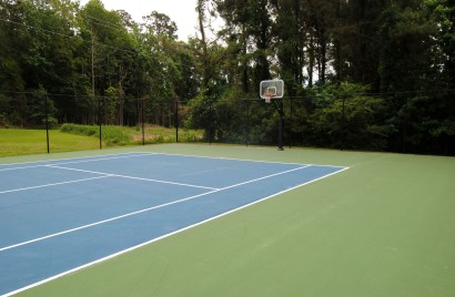 Covil Estates Tennis Courts and Basketball Hoop