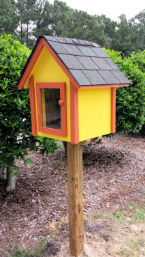 Little Free Library in Kings Grant Park