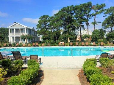 Autumn Hall swimming pool