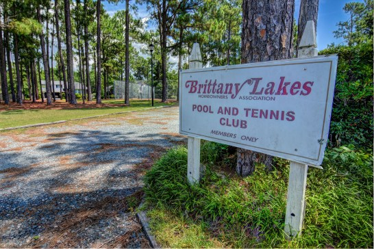 Brittany Lakes Pool and Tennis Club Sign