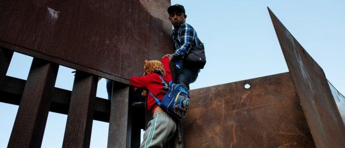 Migrant Caravan Demand: Give Us Each $50,000 Or Let Us In