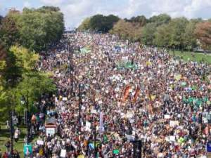 Greta Thunberg leads tens of thousands of protesters at Montreal climate march