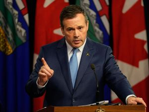New panel to explore how to give Alberta more 'leverage' with Ottawa, Kenney says