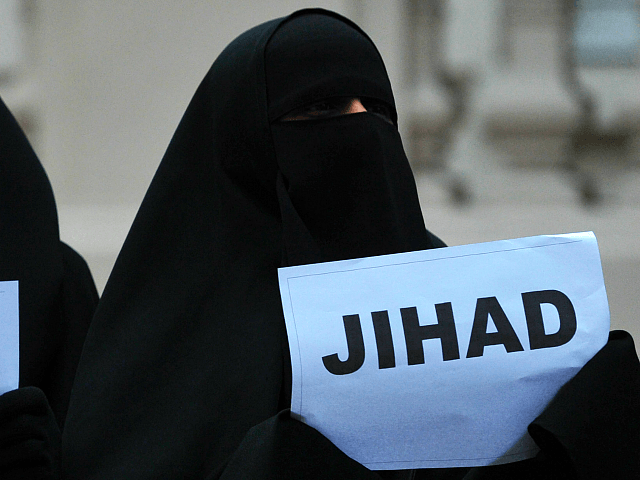 Jihadi Bride Gets Just 150 Hours Community Service for Possessing Weapons in 'Terrorist Context'