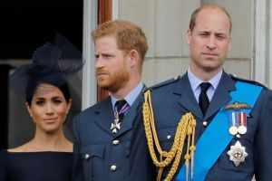 Queen agrees 'period of transition' for Harry and Meghan