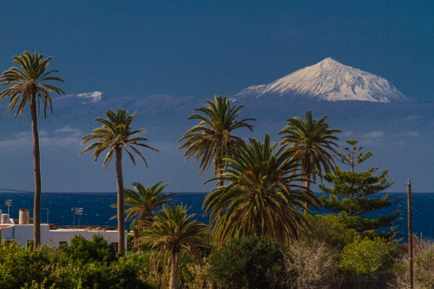 Snowy peaks in paradise immortalised by the founder of GranCanaria info
