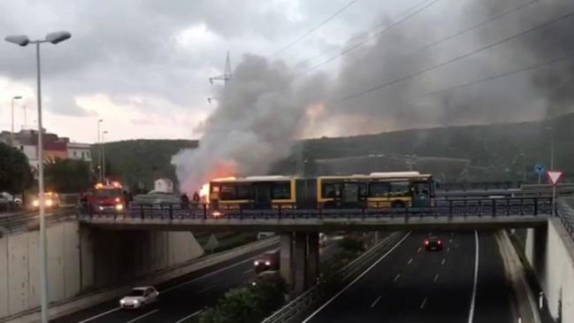 Las Palmas bus blaze by the GC-3 leaves no-one injured