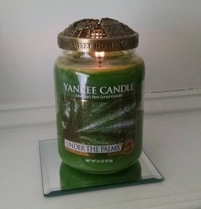 yankee-candle-under-the-palms