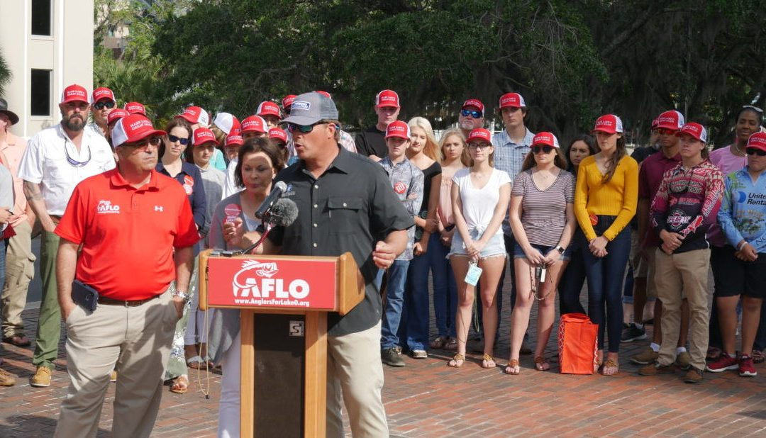 """South Florida residents rally to """"Slow the Flow"""" of polluted water into Lake Okeechobee"""