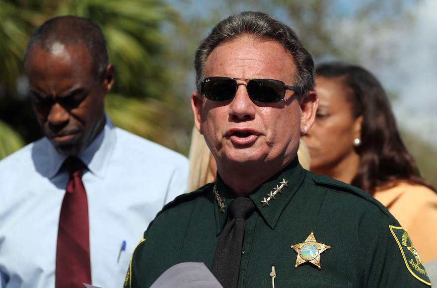 Attorney for Scott Israel believes case against school resource officer could help his client
