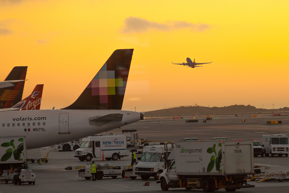 planes at LAX airport