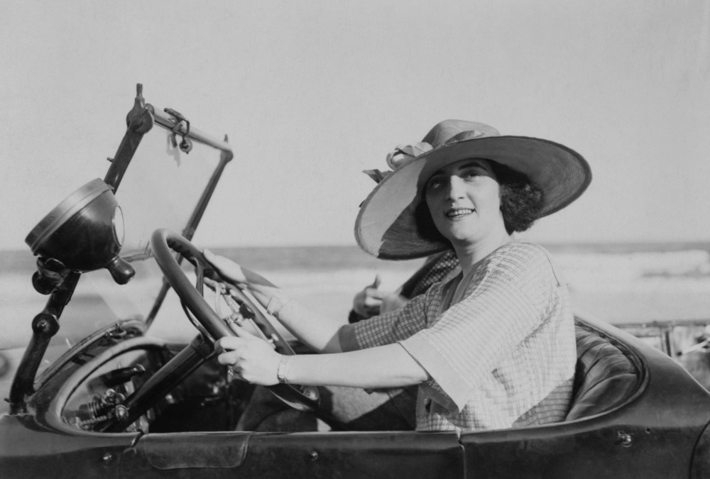 independent woman in the 1920s