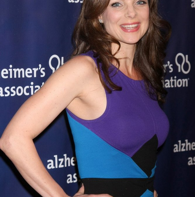 Kimberly Williams-Paisley Says Her Mother's Battle With Alzheimer's Disease Taught Her to Say 'Yes' to Life