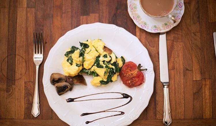 breakfast-eggs-lm