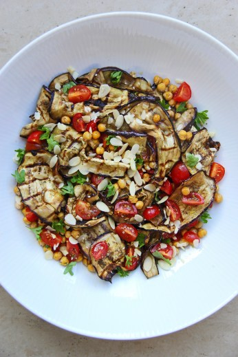 roasted-chickpea-aubergine-and-tomato-salad-with-zaatar-and-pomegranate-molasses-vegan-3