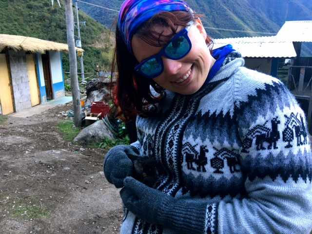 Saving a baby chicken in Peru, Salkantay Trek